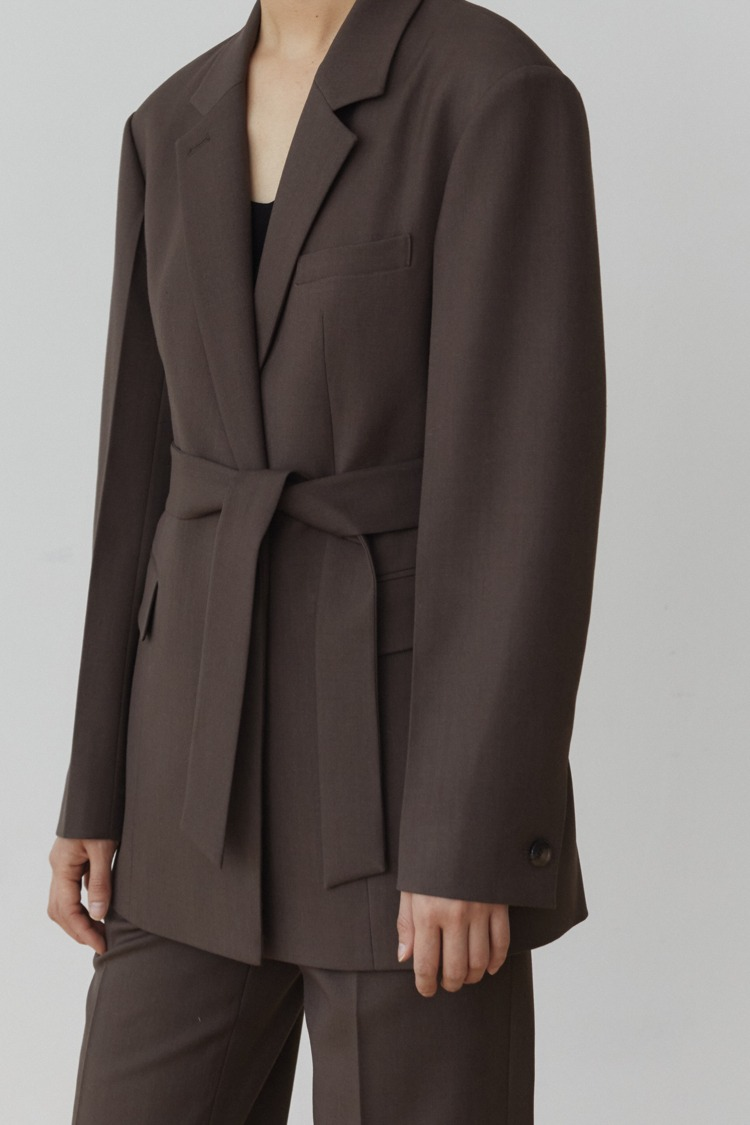 Numero 099: Belted Wool Jacket (Set-up) (Ash Brown)