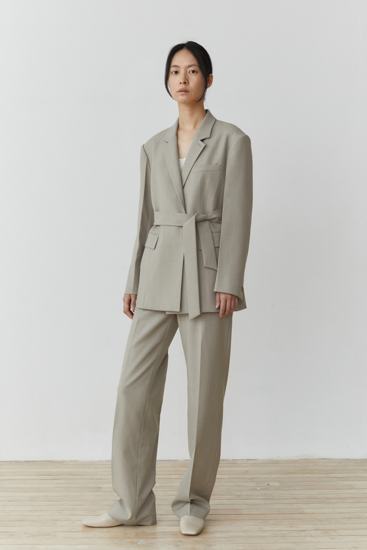 Numero 099: Belted Wool Jacket (Set-up) (Ash Beige)
